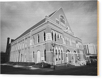 The Ryman Auditorium Former Home Of The Grand Ole Opry And Gospel Union Tabernacle Nashville Wood Print by Joe Fox