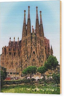 The Sagrada Familia Wood Print by Sue Melvin