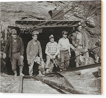 The Search And Retrieval Team After The Knox Mine Disaster Port Griffith Pa 1959 At Mine Entrance Wood Print