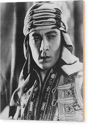 The Sheik, Rudolph Valentino, 1921 Wood Print by Everett