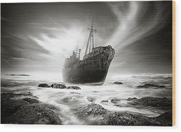 The Shipwreck Wood Print