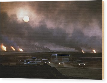The Smoke From Oil Well Fires Forces Wood Print by Everett