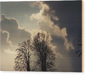 The Storm Iv Wood Print by Laurie Kidd