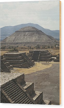 The Temple Of The Sun At Teotihuacan Wood Print by Martin Gray