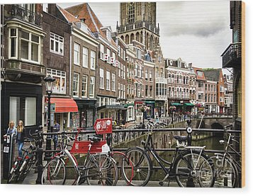 Wood Print featuring the photograph The Vismarkt In Utrecht by RicardMN Photography