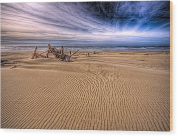 This Is Oregon State No.17 - Florence Beach Wood Print by Paul W Sharpe Aka Wizard of Wonders