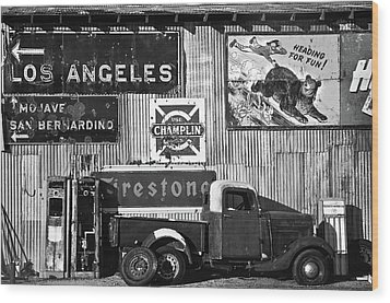 This Way To L.a. Wood Print by Marius Sipa