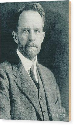 Thomas Hunt Morgan, American Geneticist Wood Print by Photo Researchers, Inc.