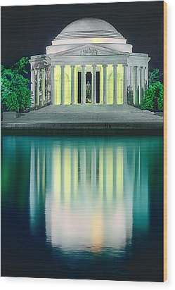 Thomas Jefferson Memorial At Night Wood Print by Don Lovett