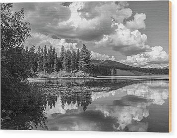 Thompson Lake In Black And White Wood Print