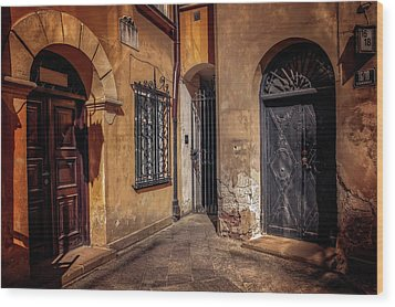 Three Doors In Warsaw Wood Print