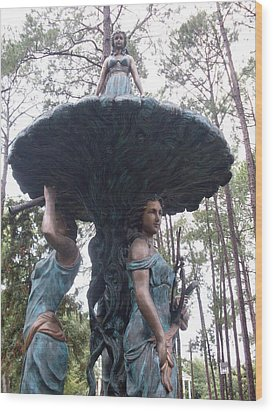 Three Sisters Statue Wood Print by Warren Thompson