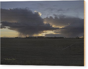 Thunder On The Prairie Wood Print by Tom Buchanan