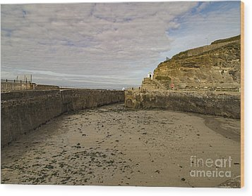 Wood Print featuring the photograph Tide Out Portreath by Brian Roscorla