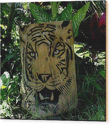 Tiger Wood Print by Calixto Gonzalez