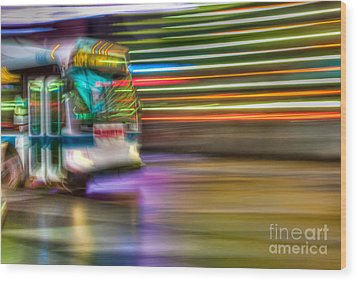 Times Square Bus Wood Print by Clarence Holmes