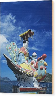 Tin Hua Temple Closeup Of Colorful Statue Wood Print by Gloria and Richard Maschmeyer - Printscapes