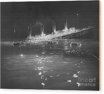 Titanic: Re-creation, 1912 Wood Print by Granger