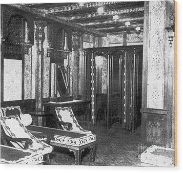Titanic: Turkish Bath, 1912 Wood Print by Granger
