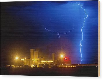 To The Right Budweiser Lightning Strike Wood Print by James BO  Insogna