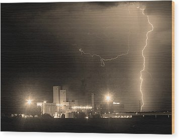 To The Right Budweiser Lightning Strike Sepia  Wood Print by James BO  Insogna