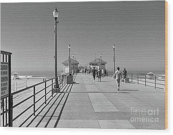 To The Sea On Huntington Beach Pier Wood Print by Ana V Ramirez