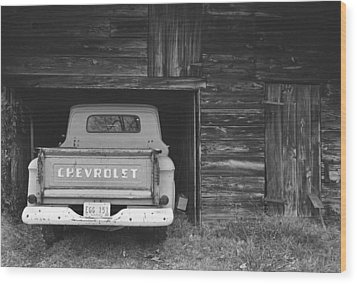 Tobacco Barn Chevy Wood Print