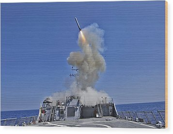 Tomahawk Cruise Missile Launched Wood Print by Everett