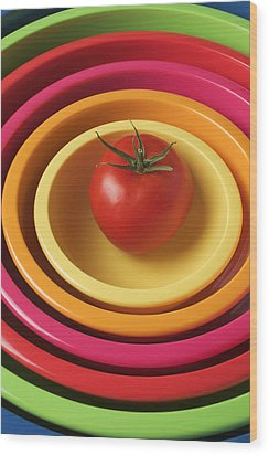 Tomato In Mixing Bowls Wood Print by Garry Gay