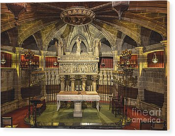Tomb Of Saint Eulalia In The Crypt Of Barcelona Cathedral Wood Print by RicardMN Photography