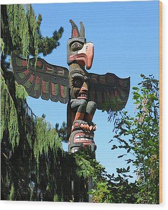 Totem Pole Wood Print by Betty Buller Whitehead