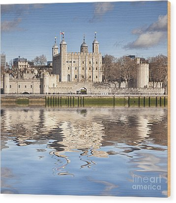 Tower Of London Wood Print by Colin and Linda McKie