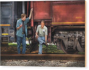 Train - Yard - Shoot'in The Breeze Wood Print by Mike Savad