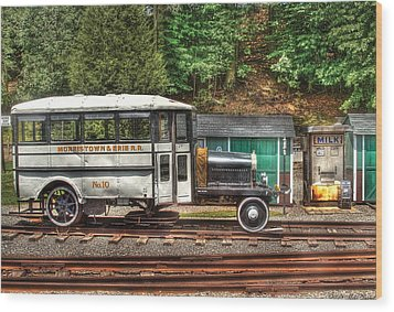 Train - Car - The Rail Bus Wood Print by Mike Savad
