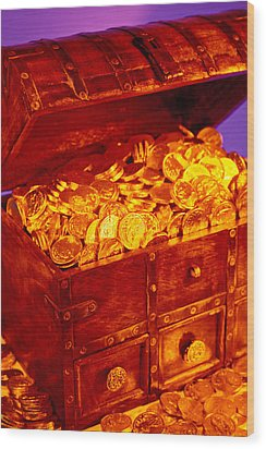 Treasure Chest With Gold Coins Wood Print by Garry Gay