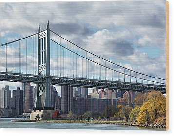 Triboro Bridge In Autumn Wood Print