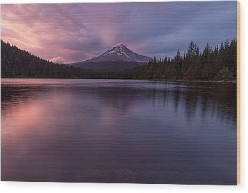 Wood Print featuring the photograph Trillium Lake Glow by Patricia Davidson
