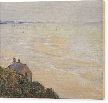 Trouville At Low Tide Wood Print by Claude Monet