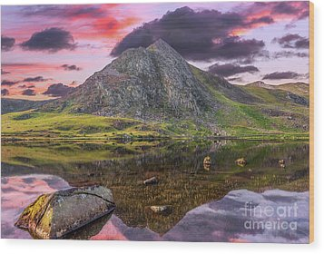 Wood Print featuring the photograph Tryfan Mountain Sunset by Adrian Evans