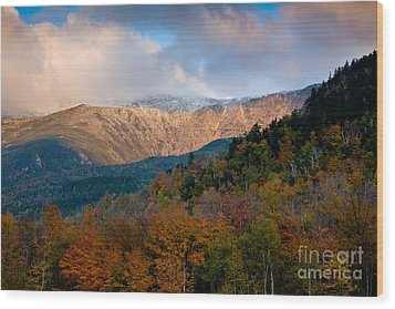 Tuckermans Ravine In Autumn Wood Print by Susan Cole Kelly