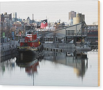 Tugboat 2 Wood Print by Robert Knight
