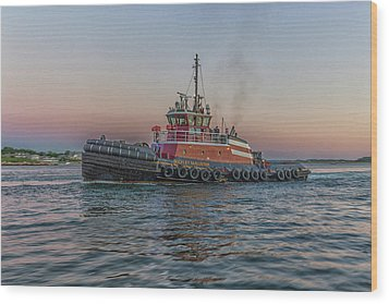 Tugboat Buckley Mcallister At Sunset Wood Print by Brian MacLean
