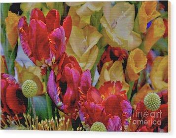 Tulip Bouquet Wood Print by Sandy Moulder