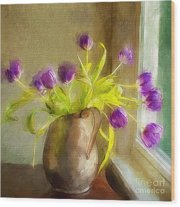 Tulips Arrayed Wood Print by Terry Rowe