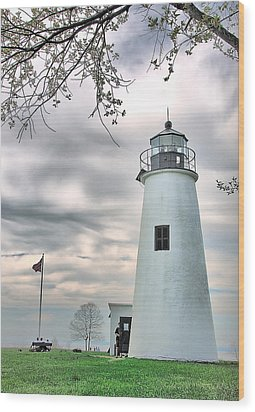 Turkey Point Lighthouse Wood Print by Mark Fuller