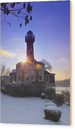 Turtle Rock Light House At Sunrise Wood Print by Bill Cannon
