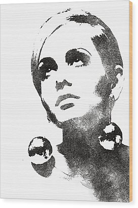 Twiggy Bw Portrait Wood Print by Mihaela Pater