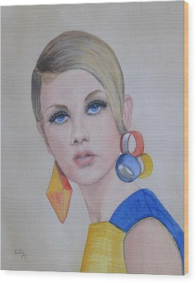 Twiggy The 60's Fashion Icon Wood Print by Kelly Mills