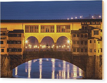 Wood Print featuring the photograph Twilight Over The Ponte Vecchio by Andrew Soundarajan
