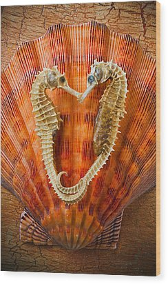 Two Seahorses On Seashell Wood Print by Garry Gay